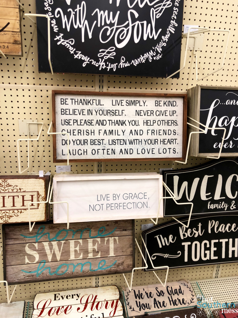 Easy DIY Pallet Signs | My Hot Southern Mess